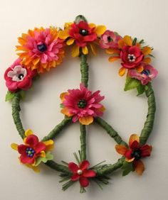 Hippie Peace Sign Wreath, Hippie Home Decor, Bohemian Decor,Flower Peace Wreath,, Dorm Accessories, College Dorm Decor, Housewarming Gift