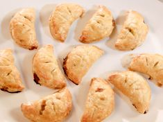 Get Steak Hand Pie Recipe courtesy of Gesine Bullock-Prado Show: Baked in Vermont Episode: Bite Sized with a Bang Baked In Vermont, Food Network Recipes, Food Processor Recipes, Tomato Cream Sauces, Pan Seared Salmon, Easy Pie, Skirt Steak, Hand Pies, Pie Recipes