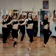 Dance Workout Videos, Dance Choreography Videos, Dance Videos, Belly Dancing Videos, Belly Dancing Classes, Dancing Day, Belly Dance Lessons, Dance Tips, Step Up Dance