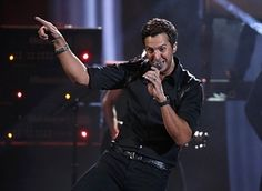 I got Luke Bryan! Which Country Star Are You? My favorite country singer! With that butt shakin'