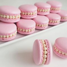 You Identify The Real Food?Can You Identify The Real Food? Beautiful macarons decoration ideas Get inspired! Credits golden-luxuryyy: Photo 10 Ideas for Lavender Macarons Gefällt Mal, 27 Kommentare - Monika Macaroon Recipes, Cupcake Recipes, Cookie Recipes, Dessert Recipes, Cute Desserts, Delicious Desserts, Sweet Recipes, Real Food Recipes, Patisserie Fine