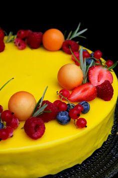 Kakkuviikarin vispailuja!: Mango-vadelma juustokakku