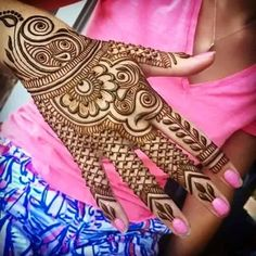 Heading out to on Saturday for a week! Taking henna appointments today and will be at Citrine in on Friday for walk ins. Bridal Henna Designs, Henna Designs Easy, Mehndi Patterns, Arabic Mehndi Designs, Arabic Henna, Easy Henna, Simple Henna, Design Patterns, Rangoli Designs