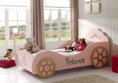 Hot Pink Charming Princess Inspired Carriage Bed Design for Little Girls with Cozy Bed Pink Bedroom For Girls, Kids Bedroom, Unique Kids Beds, Carriage Bed, Smart Bed, Princess Room, Princess Toddler Bed, Princess Beds, Girls Princess Bedroom