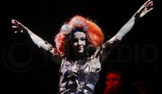 Björk at Lollapalooza, Chile Woodstock, Punk Rock, Festival Lollapalooza, Rap, Sing To Me, Musical, Rock And Roll, Singing, Passion