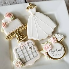 Cute Bridal Shower Cupcakes Wedding Cookies Ideas For 2019 Wedding Shower Cookies, Wedding Dress Cupcakes, Wedding Cake Cookies, Bridal Shower Cupcakes, Decorated Wedding Cookies, Dress Wedding, Date Cookies, Fancy Cookies, Sugar Cookies