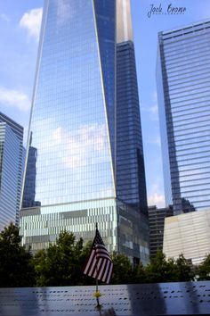 https://flic.kr/p/xVtgwQ | New York-World Trade Center 1 with Flag | World Trade Centre 1, New York 2015