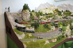 January 2020 suggestions from vogue editor Mert Aslan - Everything About Women's N Scale Model Trains, Model Train Layouts, Scale Models, Bmw Isetta, Limousine, New Years Eve Party, Planer, Tallit, Mount Rushmore