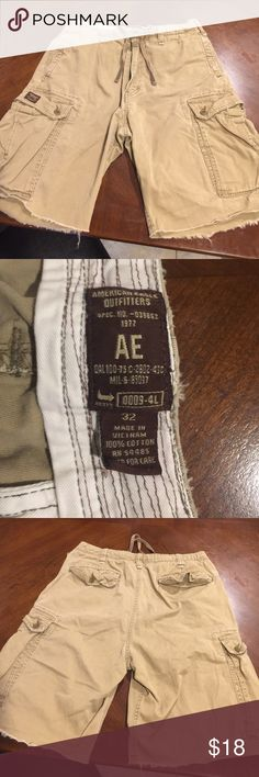 American Eagle Outfitters Men's Distressed Cargo Size 32 Men's American Eagle Outfitters Distressed Cargo shorts in Khaki. Excellent Distressed condition. American Eagle Outfitters Shorts Cargo