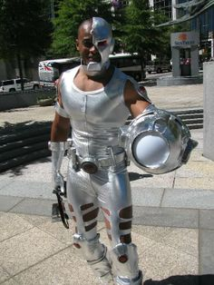 A forum dedicated to superhero costumes.