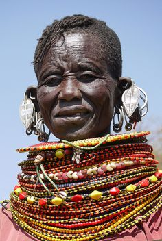 Beautiful Black Women, Life Is Beautiful, African Jewelry, Ethnic Jewelry, African Tribes, We Are The World, East Africa, Historical Pictures, Yellow And Brown
