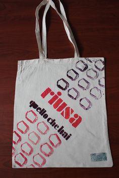 Riusa quello che hai bag o2italia Shopper Bag, Bago, Reusable Tote Bags, Homemade, Home Made, Diy