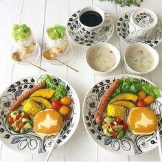 makoさんはInstagramを利用しています:「❁ おはようございます☺︎ 今朝はアボカド&タマゴのオープンサンドで簡単朝ごはん☺︎ 連休最終日💦なんだか忙しくあっという間に終わりです(꒦ິ⌑꒦ີ) 今日は絶対にのんびり過ごそうと思います♡ コメントお休みします🙏🏻…」 Kitchen Pantry, Breakfast, Tableware, Food, Instagram, Morning Coffee, Butler Pantry, Dinnerware, Tablewares