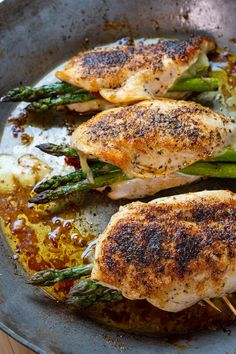 Chicken stuffed with asparagus, sundried tomatoes and plenty of melted cheese! Chicken Breast And Asparagus Recipe, Best Asparagus Recipe, Chicken Asparagus, Grilling Recipes, Gourmet Recipes, Dinner Recipes, Cooking Recipes, Ayurveda, Sundried Tomato Chicken