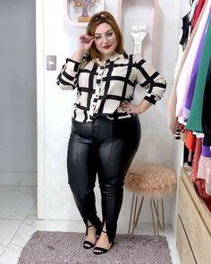Como usar calça de couro plus size: dicas e inspirações - JUROMANO.COM Looks Plus Size, Look Plus, Blazers, Driving Shoes Men, Big And Beautiful, Size Model, Plus Size Fashion, Ideias Fashion, Sexy