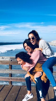 Best photography beach girl photo ideas bffs 27 ideas photographer fashion canon beginner shop tutorial o Best Friends Shoot, Best Friend Poses, Cute Friends, Beach Girl Photos, Friend Poses Photography, Children Photography, Cute Friend Pictures, Friend Pics, Family Pictures