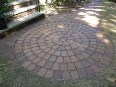 CST paver circle kit #cstpavingstones #cstpavers #pavers #walkway