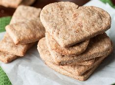 Biscuits de dentition maison - Wooloo - The Best Homemade Baby Recipes Vegan Healthy Snacks, Toddler Meals, Kids Meals, Toddler Food, Toddler Recipes, Baby Food Recipes, Snack Recipes, Food Baby, Banana Recipes