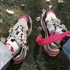 The Must Have Balenciaga Sneakers - Balenciaga Sale Sneakers Addict, Sneaker Store, Baskets, Balenciaga Sneakers, Men With Street Style, Mens Style Guide, Stylish Kids, Swimwear Fashion, We Wear
