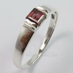 Garnet Rings, Amethyst Gemstone, Gemstone Rings, Jewelry Rings, Jewelry Watches, Fine Jewelry, Silver Jewellery Indian, Stylish Rings, Silver Bars