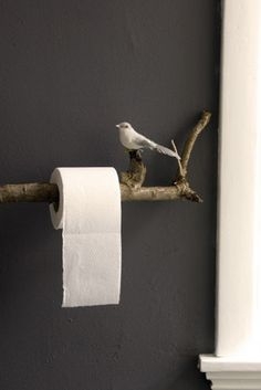 and you could replace old and worn out tp holders for very little cost this way if the branch was large enough it could also make a cute towel rack or - Diy Toilettenpapierhalter Stand
