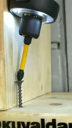 Woodworking Tools For Beginners, Woodworking Techniques, Woodworking Projects, Wood Tools, Diy Tools, Construction Tools, Garage Tools, Diy Home Repair, Cool Gadgets To Buy