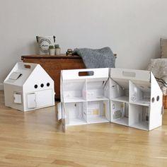 TIK juguetes de cartón made in Barcelona. Nada que envidiar a kidsonroof!