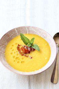 Cantaloupe Gazpacho with Frizzled Prosciutto | wickedspatula.com