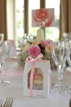 #pink wedding tables ... For a Reception Guide ... https://itunes.apple.com/us/app/the-gold-wedding-planner/id498112599?ls=1=8 ... plus how to organise your entire wedding ... The Gold Wedding Planner iPhone App ♥