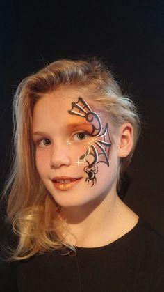 # spiderweb # Niekie Kinder Design - - My list of the most creative makeup secrets Face Painting Halloween Kids, Halloween Makeup For Kids, Halloween Design, Witch Makeup For Kids, Scary Halloween, Halloween Costumes, Witch Face Paint, Horror Makeup, Zombie Makeup