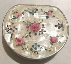 VINTAGE LUCITE MOTHER OF PEARL PETITE POINT POWDER COMPACT