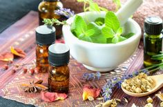 Olejek z drzewa herbacianego: właściwości kosmetyczne i zastosowanie olejku herbacianego