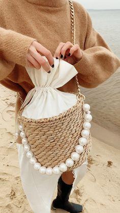 Denim Trousers to Denim Handbags Denim Handbags, Straw Handbags, Purses And Handbags, Fashion Bags, Fashion Purses, Fashion Handbags, Womens Fashion, Popular Handbags, Reusable Shopping Bags