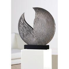 """Skulptur """"Parrot"""" aus Holz · silber · im Antikfinish handgearbeitet auf schwarzem Sockel"""