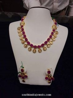 Gold ruby short necklace with earrings