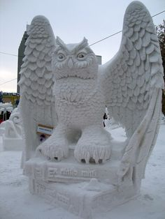 Intricate snow sculpture of an owl at the Siberian Snow Sculpture Festival in Novosibirsk, Russia in 2010. #photography #icesculpture