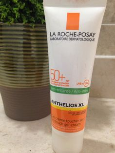 La Roche-Posay  Anti-shine Dry touch gel-cream. Sincerely, the best one i've ever used...