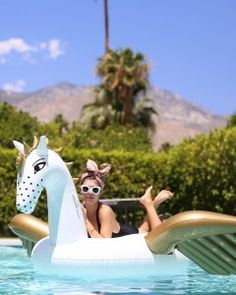 A Bachelorette Weekend Getaway in Palm Springs for Guest Blogger Jenny Bernheim of Margo and Me    Martha Stewart Weddings
