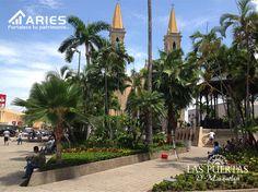 TERRENOS EN MAZATLÁN. Una de las principales plazas de Mazatlán es la Plazuela República, rodeada con la Catedral, el Palacio Municipal y los edificios de Telégrafos y Correos. Todos los domingos hay actividades culturales con variados artistas que deleitan a los asistentes. Usted puede disfrutar de este lugar junto con su familia al adquirir un terreno en LAS PUERTAS D´MAZATLAN. http://grupoaries.com.mx/bienvenido/nuestros-desarrollos/