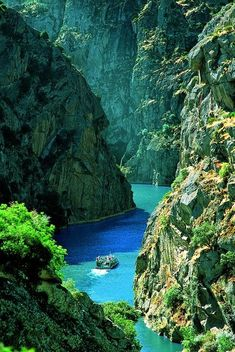 Rocky Canyon, Duoro river, Portugal