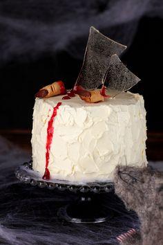 """Tarta """"Cristales rotos"""" de halloween   Esta tarta es para dejar al personal con la boca abierta. Me gustaría mucho poder deciros que ..."""