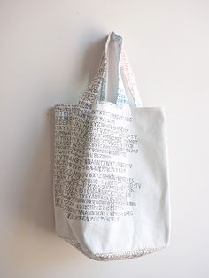 """Invitation to feature """"Sho-zu Gakuen Nui (nui) Project Shirt Exhibition"""" Japanese Patterns, Linen Bag, Casual Bags, Fabric Painting, Handmade Bags, Shopping Bag, Pouch, Reusable Tote Bags, Sewing"""