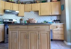 Diy Subway Tile Backsplash Fresh 8 Diy Backsplash Ideas to Refresh Your Kitchen On A Bud. Cheap Kitchen Backsplash, Kitchen Tile Diy, Kitchen Paint, Kitchen Decor, Backsplash Ideas, Decorating Kitchen, Kitchen Backslash, Backsplash Design, Kitchen On A Budget