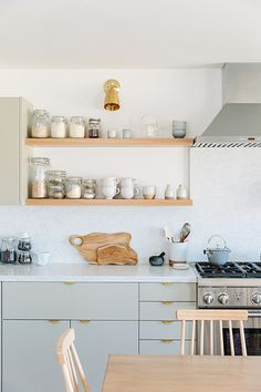 Cabinet color and pulls? Semihandmade Lighten Up - An Affordable Scandi Beach House Reno You Have To See To Believe - Photos Ikea Kitchen, Kitchen Interior, Kitchen Decor, Skandi Kitchen, Brass Kitchen, Kitchen Hardware, Kitchen Worktop, Cabinet Hardware, Beach House Kitchens
