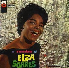 En 1961, Elza Soares propose avec O Samba e Elza Soares un album pétillant et énergique. Un vrai régal. O Samba e Elza Soares joue de manière assez involontaire, semble-t'il, sur le contraste entre le caractère