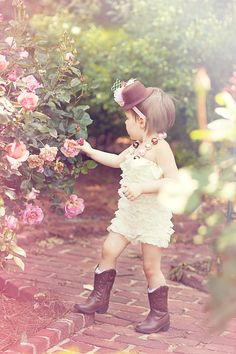 rose garden baby picture @Jessica Apple   accessories by Pixiedust Pretties photography by Jessica Apple Photography
