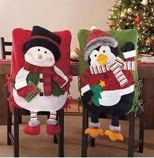 Christmas decoration to your chair at holiday season Christmas Yard Art, Easy Christmas Decorations, Christmas Tablescapes, Christmas Sewing, Xmas Ornaments, Felt Christmas, Simple Christmas, Handmade Christmas, Christmas Time