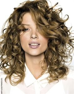 Dirty Blonde Hair Color Ideas - Dirty blonde hair color offers a sophisticated natural look and is easier to wear than most light blonde shades. Find the best dirty blonde hair color for your and learn how to apply the dirty blonde hair dye correctly. Brown Curly Hair, Blonde Curly Hair, Curly Hair Cuts, Curly Hair Styles, Curly Bangs, Medium Curly, Medium Hair Styles, Medium Blonde, Long Curly