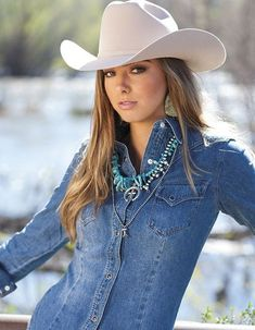 COWGIRL's 30 Best Photos of 2017 COWGIRL'S 30 Best Photos of 2017. With the New Year fast approaching, the COWGIRL team wanted to take a look back at some of our favorite photos of 2017 to share with a wish for a Happy New Year. #countrygirls Sexy Cowgirl, Cowgirl Mode, Estilo Cowgirl, Cowgirl Hats, Cowgirl Style, Cowgirl Tuff, Hot Country Girls, Country Girl Style, Country Women