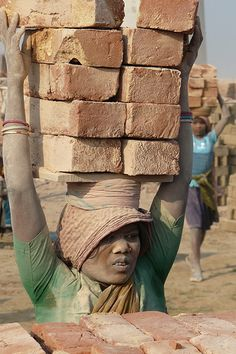 Ridiculously Hard Work in Bihar. Remember this when your first world problems get the better of you.